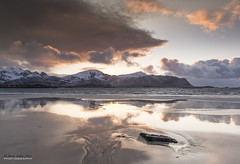 Lofoten - Ramberg beach 3 (jerry_lake) Tags: snow mountains beach norway lofoten lofotenislands ramberg norwegiansea lee06ndgradhard lightroom57 19thmarch2015