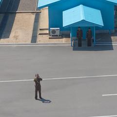 Le militaire qui nous a film pendant toute notre visite de la Joint Security Area (jonathanung@ymail.com) Tags: lumix asia korea voyeur asie dmz kp nord northkorea armistice jsa panmunjom core dprk cm1 koryo  coredusud coredunord insidenorthkorea rpubliquepopulairedmocratiquedecore rpdc  lumixcm1