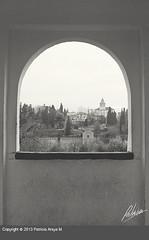 Ventana hacia La Alhambra (Patricia Araya Monsalve) Tags: barcelona madrid street calle sevilla basilica iglesia urbano perspectiva sagradafamilia gotico palaciodecristal elretiro
