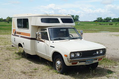 1977 Datsun Chinook Gazelle RV (DVS1mn) Tags: rv chinook 1977 gazelle 77 datsun