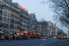 Boulevard du Montparnasse - Paris (France) (Meteorry) Tags: street city urban paris france cars night facade lights evening march europe ledefrance boulevard traffic circulation rue montparnasse faade idf voitures terminus 2016 boulevarddumontparnasse g20 meteorry pizzapino