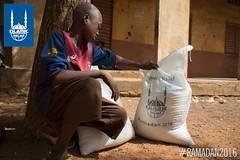 Islamic Relief's Ramadan food distribution in Mali.