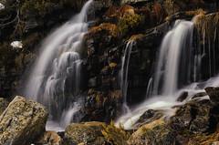 Waterfall (Laguna Negra) (Joseba Alberdi Lizarazu) Tags: longexposure water ro waterfall agua stream d70 le riachuelo soria lagunanegra cascada ura torrente erreka urjauzia
