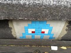 Space Invader PA_522 (ratskaweiller) Tags: streetart paris space spaceinvaders invader egout invaders trottoir 75011 invaderwashere