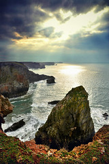 The Pembrokeshire coastline (pentlandpirate) Tags: wales cliffs stack coastline pembrokeshire stgovanshead