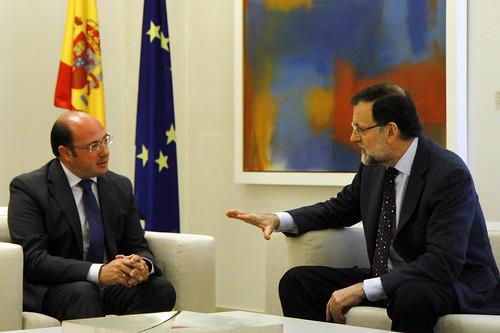 Rajoy recibe al consejero de Educación de la Región de Murcia
