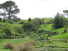 "Hobbiton <a style=""margin-left:10px; font-size:0.8em;"" href=""http://www.flickr.com/photos/83080376@N03/16958051015/"" target=""_blank"">@flickr</a>"
