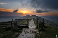 Gateway to Sunrise (fearghal breathnach) Tags: mamtor sunrise peakdistrict mountains gateway path sun clouds light colour england hills