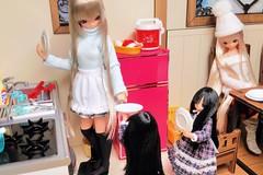 (nanatsuhachi) Tags: kitchen doll anniversary gift present miu feb25 azone pureneemo chiika excute ver11 excute bluebirdssong picconeemo majokkochiika majokkomiu piccoexcute
