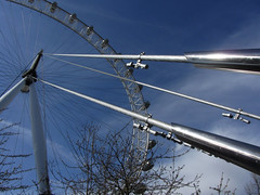Cables under tension (shaggy359) Tags: london eye lines wheel south spoke bank cable ferris line southbank cables tension pods spokespod