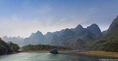 ChinaGuilinToYangshuoLiRiverOct14-3686 (steviekd69) Tags: china mountains landscape boats liriver li october guilin yangshuo 2014