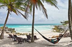 Tulum - Lo  ms parecido al paraiso (Juan Ig. Llana) Tags: mxico relax mar tulum playa palmeras yucatn rivieramaya cala hamaca caribe quintanaroo tumbonas