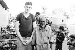 Kaka (FritzPukall) Tags: street india uncle bros indien ahmedabad ahmeda