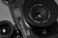 20160506_DP3M9124 (NAMARA EXPRESS) Tags: camera blackandwhite film monochrome japan lens minolta body object 28mm sigma indoor osaka gr filmcamera finder ricoh ricohgr f28 cl viewfinder merrill foveon toyonaka leitz dp3 leitzminoltacl namaraexp