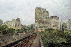 Canon-Kodak Proimage (mlsirac) Tags: brasil analgica sopaulo centro trem metr kodakproimage100 trilhos duplaexposio canoneos3000 parquedompedro