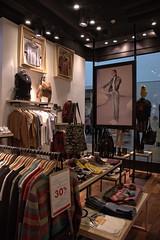 Muaa - Alto Avellaneda (Vicky Yantorno) Tags: argentina retail architecture design arquitectura interior clothes teenager diseo disegno comercio avellaneda diseointerior retaildesign muaa arquitecturainterior arquitecturacomercial