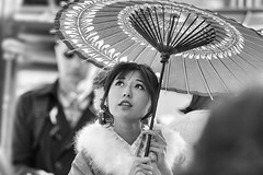 Gion, Kyoto, Japan (gringerberg) Tags: voyage travel girl japan umbrella canon kyoto noiretblanc great nb gion japon negroyblanco canoneos6d gringerberg gringerbergphotography wwwgringerbergcom