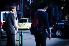 Quelles gnrations ? (www.danbouteiller.com) Tags: japan japon japanese japonais people tokyo nakano city ville urban photo de rue photoderue street streetscene streetlife streets streetshot woman man homme femme cars voitures traffic canon canon5d eos 5dmk2 5d 50mm 50mm14 5d2 5dm2