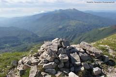 Monte Vettoretto 2.052 mt (Roberto Tarantino EXPLORE THE MOUNTAINS!) Tags: parco 2000 nuvole neve alta monte amici montagna marche umbria cresta sibillini vettore quota metri