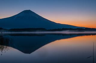 Lake Tanuki daybreak