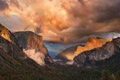 Yosemite sunset 2 (Harish Kakkilaya) Tags: yosemitesunset elcaptain yosemitewallpaper elcaptainwallpaper sunsetwallpaper harishkakkilayaphotography
