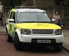 London ambulance service-Land rover discovery-Rapid response vehicle-LX61 BYU-7878 (Sierraoscar595) Tags: las disco team rover area land vehicle hart discovery hazardous rapid response byu londonambulanceservice 7878 rrv lx61 lx61byu