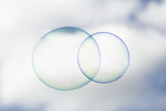 infinito (luca.nassini) Tags: sky water clouds circle soap nuvole infinity bubbles cielo acqua infinito cerchi sfere bolle sapone nubi