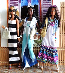 What We Do On Saturdays... (Dia 777) Tags: friends dolls goddess barbie lara lea kayla hangingout barbiecollector dollcollector maxidresses dallascowboyscheerleaderbarbie dia777