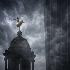 Io ballo da sola (DanielaNobili) Tags: victoriapalacetheatre london dancer theatre danielanobili clouds england brexit