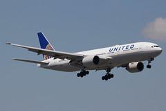 N221UA | Boeing 777-222ER | United Airlines (cv880m) Tags: newark ewr kewr liberty newarkliberty n221ua boeing 777 772 777200 777222 united ual unitedairlines triple7 tripleseven
