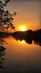 Tramonto sul lungarno Fiorentino (Luna y Valencia) Tags: bridge sunset florencia arno puestadelsol lungarno