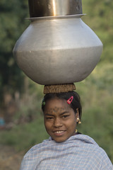 Baiga girl (wietsej) Tags: india girl basket sony hills chhattisgarh baiga maikal a77ii minolta100mmf28dafmacro