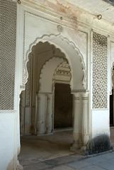 Double Arch (VinayakH) Tags: india graves hyderabad tombs carvings necropolis nizam nobility paigah paigahtombs telangana maqhbarashamsalumara