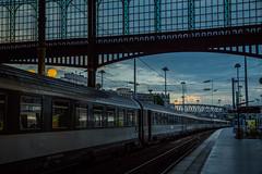 Paris au mois d'août 2014 - Gare du Nord - Ce n'est qu'un au revoir ! (saigneurdeguerre) Tags: 3 paris france tower canon europa europe tour gare mark iii frança eiffel ponte 5d frankrijk garedunord francia parijs nord aponte antonioponte ponteantonio saigneurdeguerre