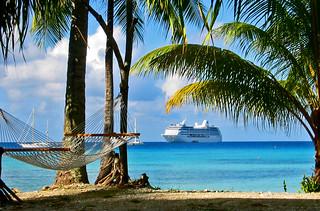Tahitianprincess and hammock Hotel KIAORA Tahiti Rangiroa