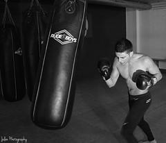 David trainning (julenherrera) Tags: 50mm nikon boxing nikkor gym boxeo rudeboys d3200 julenphotography