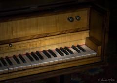 Harpsichord (shawn~white) Tags: england music unitedkingdom instrument rays herefordshire nationaltrust harpsichord antiquity leominster