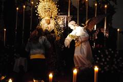 Besamano de la Virgen de las Dolores (Peridico La Semana de Dos Hermanas) Tags: dolores virgen besamano