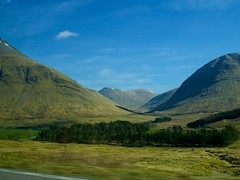 (ELIS ING) Tags: scotland spring blurry driving britain perthshire april trossachs fromthecar westhighlandway crianlarich