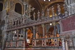 2013.05.26.016 VENISE - Basilique SAN MARCO - L'iconostase (alainmichot93) Tags: statue architecture italia venise venezia italie sanmarco piazzasanmarco marbre basilique mosaque saintmarc 2013 vntie sestieredisanmarco iconostase