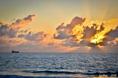 The rising sun... - Fort Lauderdale (La Pom ) Tags: morning sea sun mer beach sunrise soleil florida fort miami united lauderdale mia states rise plage unis lever matin floride fll etats
