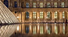 Paris, le Louvre (Didier Ensarguex) Tags: paris canon 75 lelouvre 2470l28 pyramidedulouvre rflexionreflet 5dsr didierensarguex