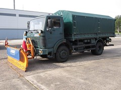 MB NG 1017 (Vehicle Tim) Tags: truck mercedes police ng mb polizei 1017 lkw policetruck einsatz pritsche polizeifahrzeug 1017a