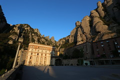 Montserrat (HDH.Lucas) Tags: shadow mountain rock spain lucas montserrat