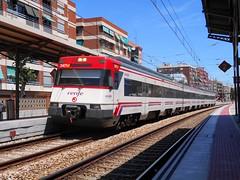 Renfe 447.174 en Alfafar-Benetsser (Pantoteatre) Tags: tren cercanas renfe alfafar benetsser
