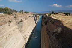 Kanal von Korinth (3) (menzelhd) Tags: kanal brcke griechenland schifffahrt mittelmeer peloponnes korinth