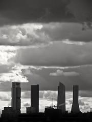 Viene lluvia (Bonsailara1) Tags: madrid sky blackandwhite blancoynegro clouds skyscraper cloudy edificio cielo nubes sillouette nublado siluetas rascacielos lacastellana cuatrotorres valdebebas bonsailara1