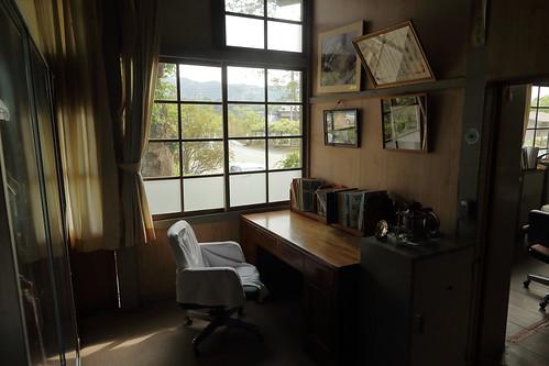 旧上岡小学校 校長室2