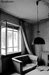 Sala (dado.gianluca) Tags: white black canon eos casa sala e bianco lombardia nero pavia abbandono ditta 600d lunghe esposizioni