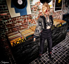 Sabrymoon wearing Avatar Bizarre Future Legend Boots and Diamond Dogs Outfit @ InspirationSL (Two Too Fashion) Tags: fashion boots style event secondlife casual chic davidbowie stylish diamonddogs casualchic secondlifemodel inspirationsl avatarbizarre chicoutfit futurelegendboots